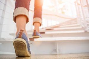 Fitness-Übungen in den Alltag integrieren